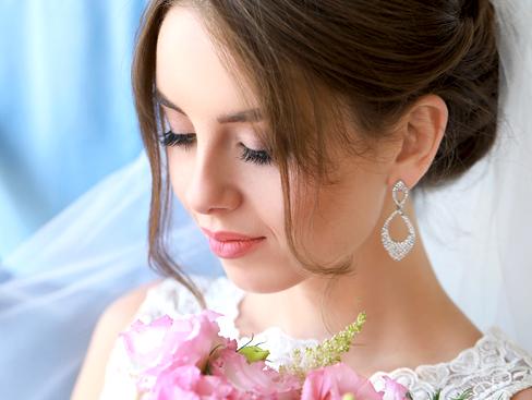 Professional Wedding Salon Providing Las Vegas Bridal Lash Tinting Packages